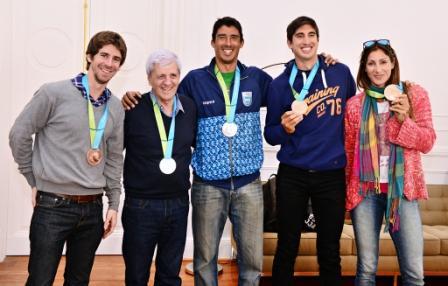 Luis Andreotti recibió a los medallistas sanfernandinos que volvieron de Toronto