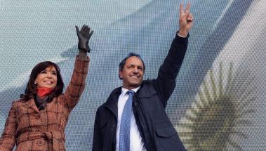 Fuerte respaldo de Cristina a Scioli: destacó su idea de crear el ministerio de derechos humanos y lo aplaudió de pie