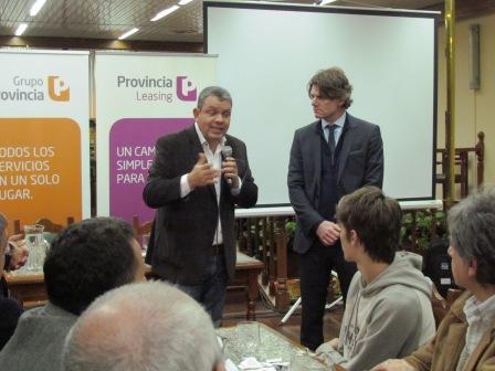 Gustavo Aguilera junto a Nicolás Scioli con comerciantes y empresarios de San Fernando