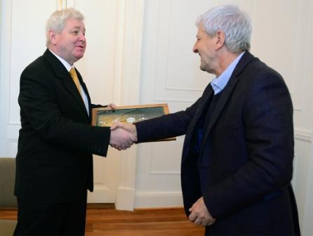 Luis Andreotti recibió al Embajador de Hungría y juntos participaron de un Ciclo de Música Clásica