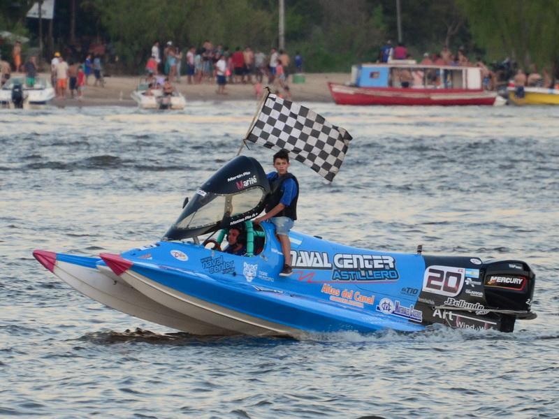 Matías Pio logró en Formosa su primer triunfo en la F1 Powerboat