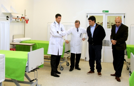 El intendente de Vicente López, Jorge Macri, recorrió la sala de Shock Room de la Guardia del Hospital Municipal Bernardo Houssay, que fue ampliada, otorgando a los pacientes un cincuenta por ciento más de capacidad. Además, se renovó la aparatología de la misma.