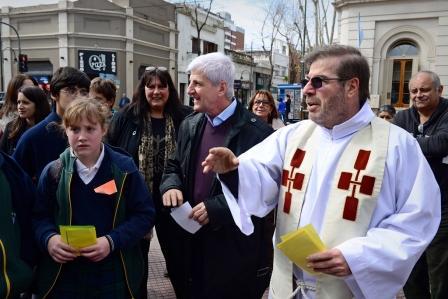 Luis Andreotti acompañó el comienzo de las fiestas patronales de Nuestra Señora de Aránzazu