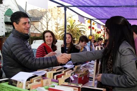 Tercera edición de la Feria del Libro e Ilustradores en la Plaza Vicente López