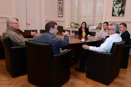 Julio Zamora mantuvo una reunión con los integrantes de la Comisión Directiva de Banco de Bosques