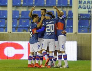 Tigre no tuvo piedad de un Vélez plagado de juveniles y lo goleó en victoria