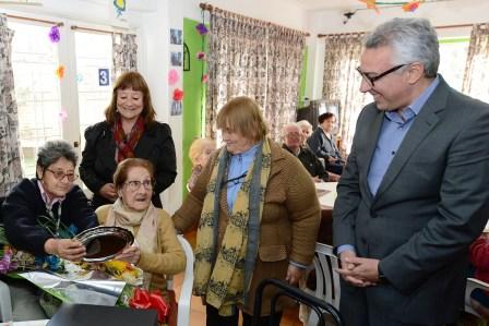 Julio Zamora festejó el centenario de la abuela Claudia Montoya