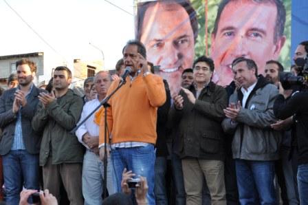 Scioli participó junto a Szpolski en la conmemoración del Día de la Lealtad en Don Torcuato