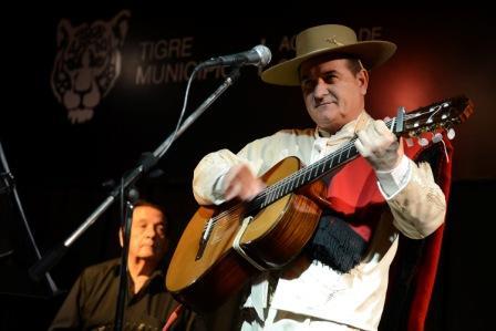 Raúl Palma lanzó su onceavo material discográfico en Tigre
