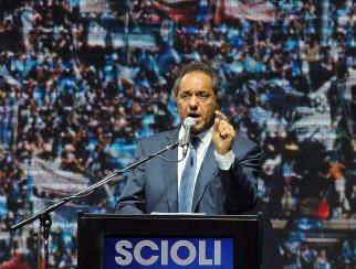 Scioli prometió que si es presidente elevará el mínimo de ganancias a 30 mil pesos para empleados y jubilados