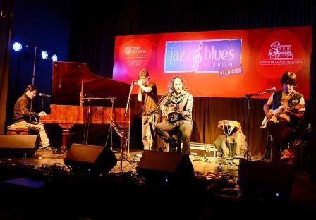 "Javier Calamaro llenó de ""Jazz & Blues"" el Museo de la Reconquista"