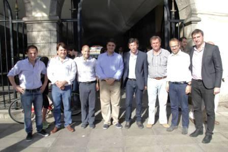 """Jorge Macri se reunió con intendentes bonaerenses electos para """"delinear campaña"""" para el balotaje"""