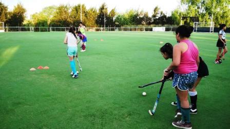 Clínicas itinerantes de Hockey en los Polideportivos de Tigre