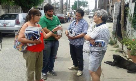 Teresa García recorrió La Cava en apoyo de la candidatura a presidente de Daniel Scioli