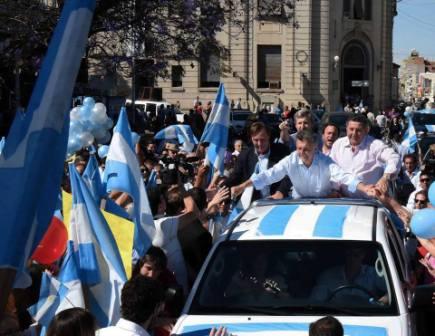 """En Paraná, Macri confió que tendrá el apoyo de """"mucha gente que voto a Scioli"""""""