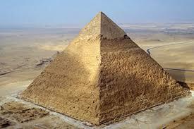 Científicos detectan anomalías térmicas en la pirámide de Keops