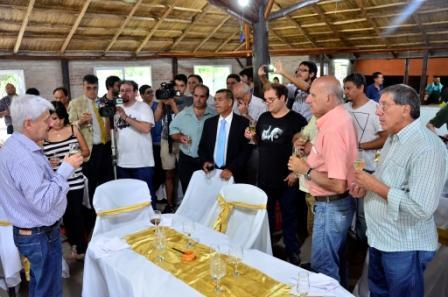 Luis Andreotti agasajó al periodismo local por las fiestas