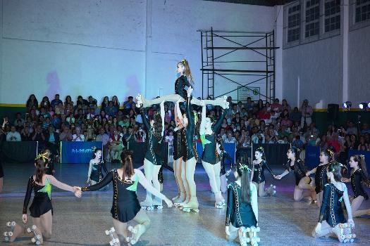 Noche de patín artístico en el Club Tigre Juniors