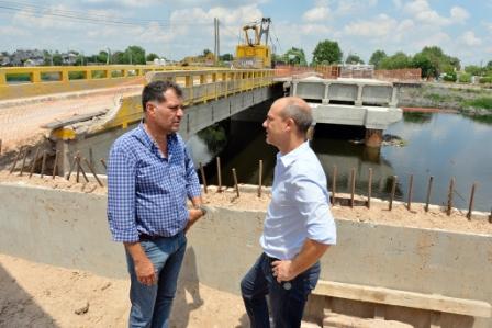 El Presidente del HCD, Santiago Aparicio, y el Secretario de Inversión Pública y Planeamiento Urbano de Tigre, Daniel Gambino, solicitaron a la nueva gestión bonaerense el reanudamiento de la reparación del Puente Taurita,