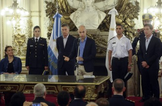"""Macri traspasó la Policía Federal a la Ciudad y volvió a acusar al Kirchnerismo """"complicidad"""" con el narcotráfico"""