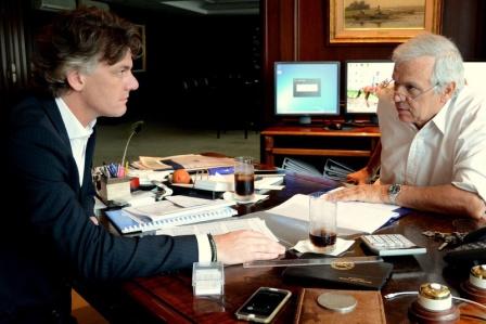 La cifra se conoció en el marco de una reunión que mantuvieron hoy el presidente del Merval, Claudio Pérès Moore, el director Nicolás Scioli, y la directora ejecutiva del Instituto Argentino de Mercado de Capitales (Iamc) de esa entidad, Mónica Erpen.