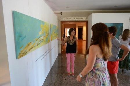 Los artistas locales continúan exhibiendo sus creaciones en el Palacio Legislativo, donde son disfrutadas por vecinos y turistas.  Hasta el 14 de enero inclusive, Gabriela Serkin, de Rincón de Milberg, presenta la muestra