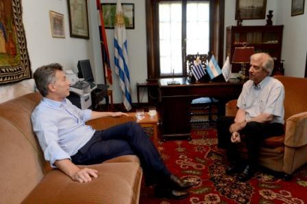 Macri y Tabaré Vázquez relanzaron el vínculo bilateral y acordaron un nuevo plan para monitorear el río Uruguay