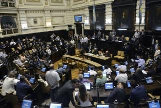 La Legislatura bonaerense sancionó el Presupuesto General de Gastos y recursos de Vidal ()