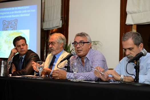 """Julio Zamora presentó en Tigre el """"Ateneo del encuentro"""", un espacio para el debate y el intercambio plural de ideas"""