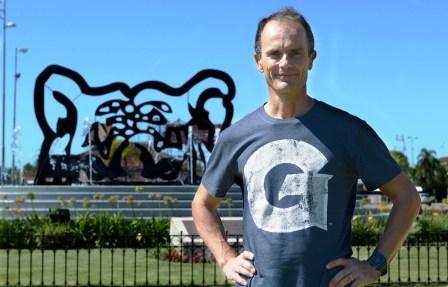 El abogado Marcelo den Toom es uno de los tigrenses que participará de la competencia más dura del triatlón, que se desarrollará en Nordelta