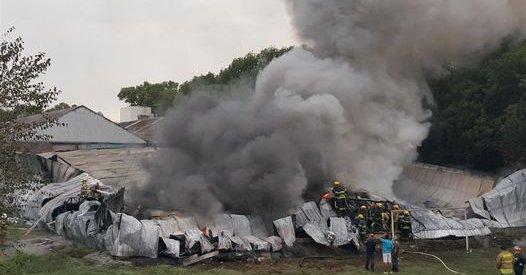 Un incendio destruyó una fábrica textil en Tigre
