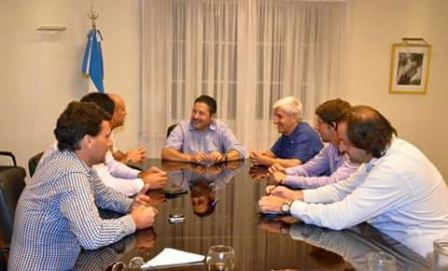 El Legislador provincial y el Intendente de San Fernando, Luis Andreotti, sostuvieron una reunión de trabajo con el Jefe Comunal de Merlo y anfitrión del encuentro, Gustavo Menéndez