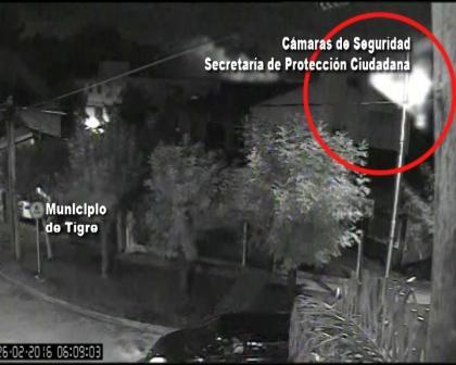 Las cámaras de seguridad detectaron un incendio en Benavídez