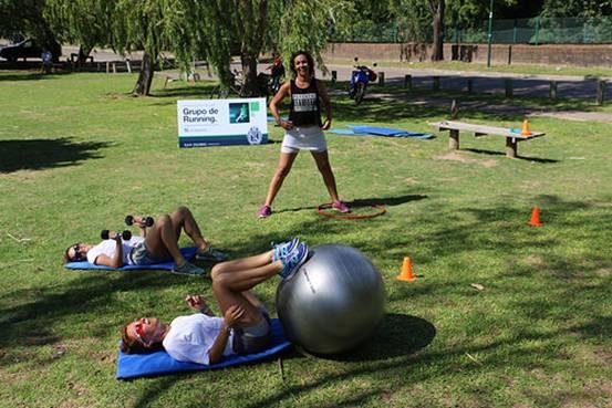 Comenzaron las clases gratuitas de running frente al río en San Isidro