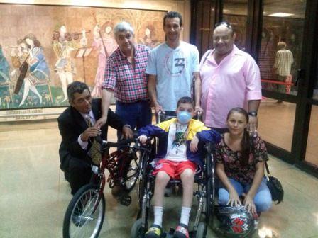 El Club de Leones de Rincón de Milberg y Nuevo Delta donó una nueva silla de ruedas