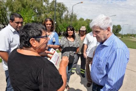 Durante la recorrida en el barrio Presidente Perón, el Intendente Luis Andreotti