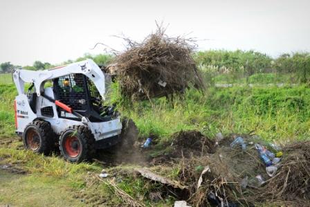 El Municipio de San Fernando limpió un tramo de la Ruta Provincial 197 y pidió por su arreglo
