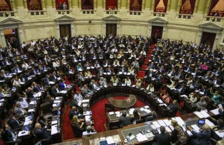 Listado de Notas (tapa)  Tras 19 horas de debate, Diputados dio media sanción a la ley que habilita el pago a los fondos buitres ()