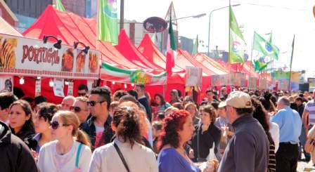 Ferias de las colectividades en Villa Adelina