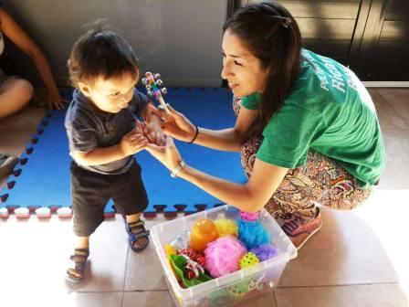 Estimulación temprana, una nueva actividad que combina juegos y aprendizaje en Tigre
