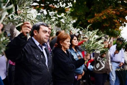 Las comunidades de San Fernando celebraron juntas el Domingo de Ramos