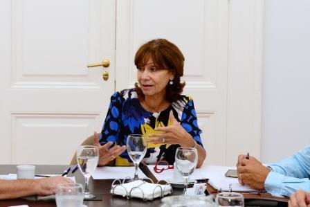 Alicia Aparicio encabeza la lista de 1País en San Fernando