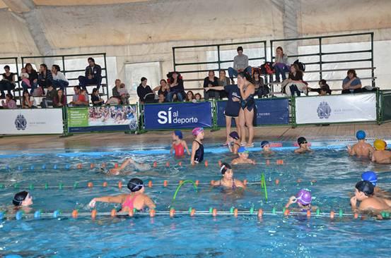 En San Isidro comenzaron las escuelas municipales de natación