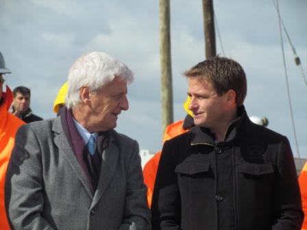 Alex Campbell junto a Luis Andreotti