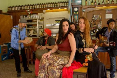 Llega a Tigre la música de María Bradley y su banda