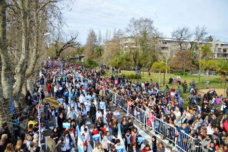 Con un multitudinario desfile Tigre dio cierre a los festejos por el  Bicentenario