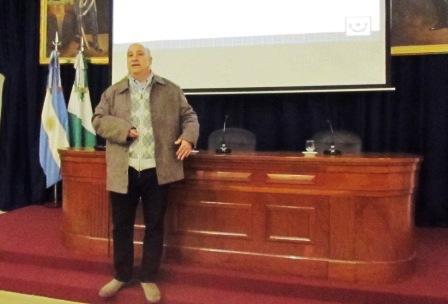 Castellano brindó un informe de la gestión legislativa 2015 en San isidro