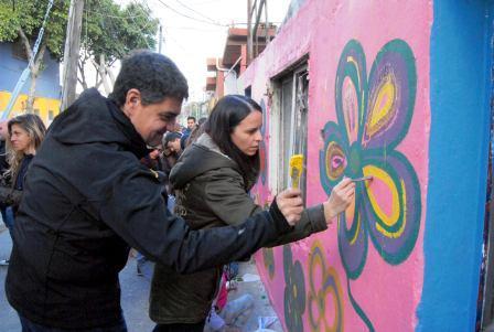 Jorge Macri participó de una jornada de muralismo en La Loma