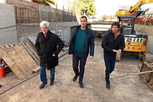 El Intendente de San Fernando recorrió junto a funcionarios el 4to paso bajo nivel hecho con fondos municipales y constató que restan pocos días para completar su excavación e ingresar en la última etapa.