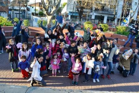La Cámpora y La Néstor Kirchner Vicente López, festejaron el Día del Niño en la Plaza de las Américas, en Villa Martelli.